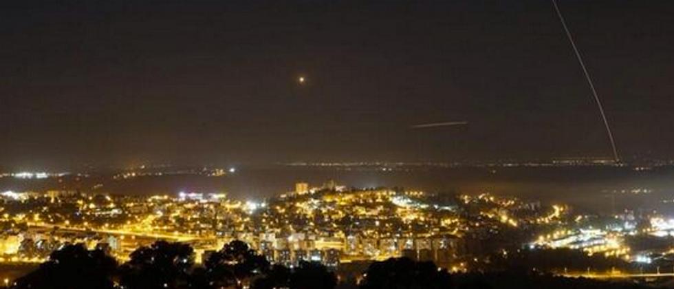 Une roquette tirée depuis Gaza en direction d'Israël (illustration) ( Twitter )