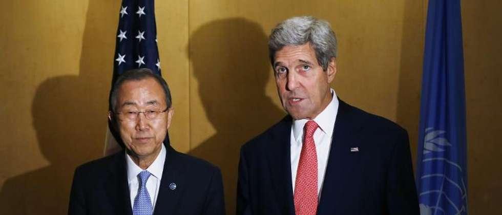 Le secrétaire général des Nations Unies Ban Ki-moon (g) et le secrétaire d'Etat américain John Kerry au Caire le 21 juillet 2014 ( Charles Dharapak (Pool/AFP) )