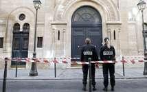 Police outside a Paris synagogue ( AFP )