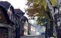L'entrée du camp de concentration et d'extermination d'Auschwitz-Birkenau, à Oswiecim, en Pologne, le 19 ocotbre 2012 ( Janek Skarzynski (AFP) )