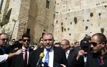 Israeli Foreign Minister Avigdor Lieberman (centre) delivers a speech at the al-Ibrahimi mosque, or the Tomb of the Patriarch, a religious site to both Muslims and Jews, in the divided West Bank town of Hebron, on March 15, 2015 (Hazem Bader (AFP))