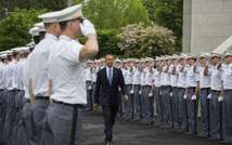 US President Barack Obama arrives at the United States Military Academy at West Point, New York to deliver the commencement address to the 2014 graduating class May 28, 2014 ( Jim Watson  (AFP) )