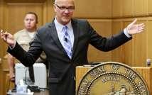 Marvin Putman, avocat d'AEG au procès Jackson, fait sa plaidoirie finale le 25 septembre 2013 à Los Angeles ( Irfan Khan (POOL/AFP) )