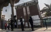 Des policiers anti-émeutes montent la garde devant l'université d'Al-Azhar, au Caire, le 21 octobre 2014 ( Khaled Desouki (AFP) )