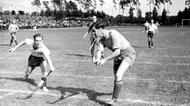 credits/photos : Hockey game at the Bar Kochba international sports game, Berlin 1937