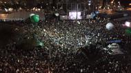 credits/photos : Tens of thousands of Israelis at peace rally honoring Rabin