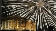 credits/photos : Fireworks explode above the ancient Parthenon temple atop the Acropolis hill during New Year's celebrations in Athens on January 1, 2017.