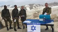 credits/photos : Israeli soldeirs voting