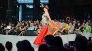 ائتمانات/صور : Miss China Wei Wei Yu walks on the catwalk during the Miss World contest final in Nusa Dua on Indonesia's resort island of Bali on September 24, 2013