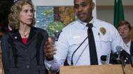 ائتمانات/صور : Charlotte police chief Kerr Putney addresses a press conference with mayor Jennifer Roberts (L) in Charlotte, North Carolina on September 22, 2016
