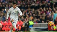 credits/photos : Real Madrid's Cristiano Ronaldo scores during the match agaisnt Club Atletico de Madrid on November 19, 2016