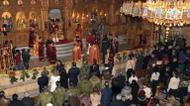 crédits/photos : Greek Orthodox Patriarch of Antioch and All East John X Yazigi leads prayers during Christmas mass at the Elias Orthodox Church in Aleppo on December 24, 2016