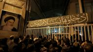 crédits/photos : Des Iraniens rassemblés devant la mosquée Jamaran, le 8 janvier 2017 à Téhéran, après le décès de l'ancien président Akbar Hachémi Rafsandjani