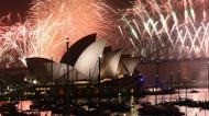 credits/photos : New Year's Eve fireworks illuminate the sky over the iconic Opera House and Harbour Bridge in Sydney on January 1, 2017