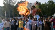 credits/photos : Pakistani Kashmiris burn effigies of Indian Prime Minister Narendra Modi and Foreign Minister Sushma Swaraj during a protest in Islamabad, on September 26, 2016, to show their solidarity with Indian Kashmiri Muslims