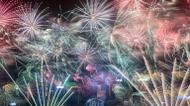 credits/photos : Fireworks explode over Victoria harbour during New Year celebrations in Hong Kong on January 1, 2017