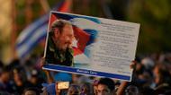 ائتمانات/صور : مشاركون في تجمع في ساحة الثورة في هافانا تكريما للزعيم الثوري الراحل فيدل كاسترو في 29 تشرين الثاني/نوفمبر 2016
