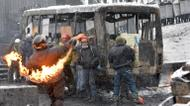 credits/photos : Ukrainian protesters clash with the police in the center of Kiev, on January 22, 2014