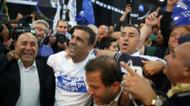 credits/photos : Israeli Likud Party supporters celebrate after the exit polls were announced on March 17, 2015 at the party's headquarters in the Israeli city of Tel Aviv