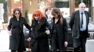 crédits/photos : French fashion designer Sonia Rykiel, accompanied by her daughter Nathalie Rykiel (L), attends the funeral of French author Regine Deforges in 2014