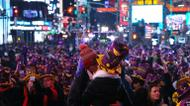 credits/photos : New Year festivities in New York, where a crowd estimated at nearly a million packed into Times Square, went off without a hitch amid tight security
