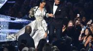 crédits/photos : Rihanna et Drake sur la scène des  des Vidéo Music Awards (VMA) le 28 août 2016 à Madison Square Garden à New York