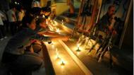 ائتمانات/صور : اضاءة شموع تكريما للراحل فيدل كاسترو في هافانا في 26 تشرن الثاني/نوفمبر 2016