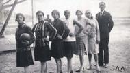credits/photos : Women's soccer team with their coach, Czechoslovakia, 1930