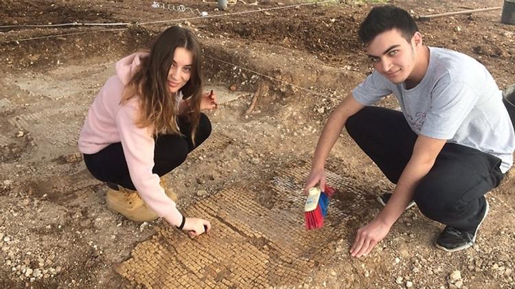 Des élèves du secondaire ont découvert un four datant de 1.600 ans en Galilée occidentale
