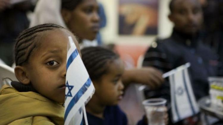 Les Falashas sont de nouveaux accueillis en Israël