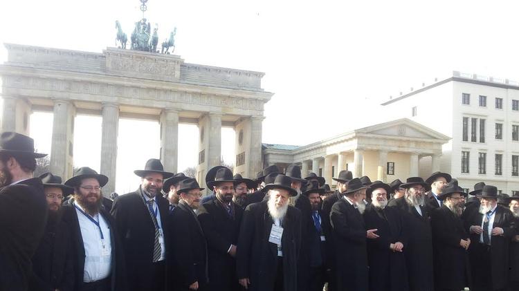 Rabbins lors de de la Conférence des Rabbins européens qui se tenait mardi à Berlin