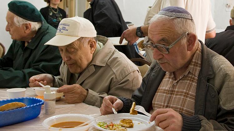Appel aux dons pour personnes âgées en Israël