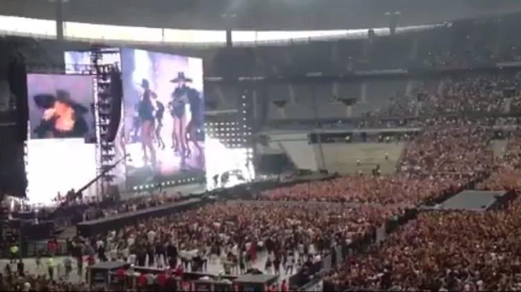 Capture d'écran du concert de Beyoncé au Stade de France le 21 juillet 2016
