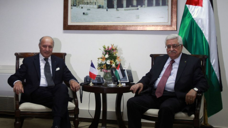 Laurent Fabius et Mahmoud Abbas
