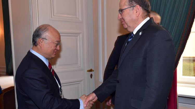 Israeli Defense Minister Ya'alon with IAEA chairman Yukiya Amano in Munich, February 13, 2016