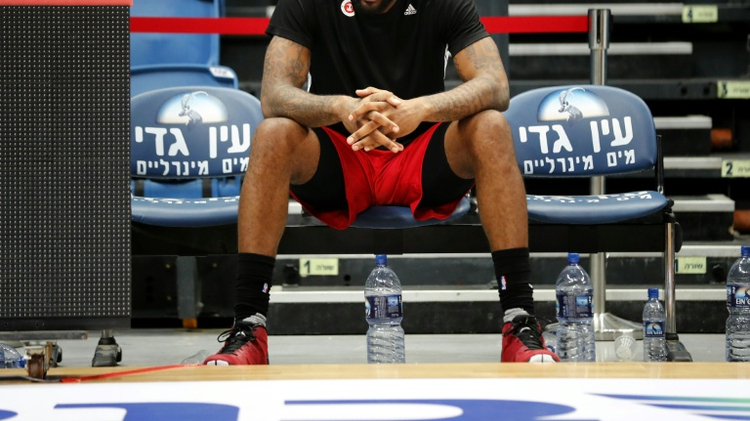 Amar'e Stoudemire, l'ancien pivot des Phoenix Suns et des New York Knicks, entame à 33 ans une nouvelle carrière à Jérusalem, avec l'Hapoel, l'un des deux plus grands clubs israélien