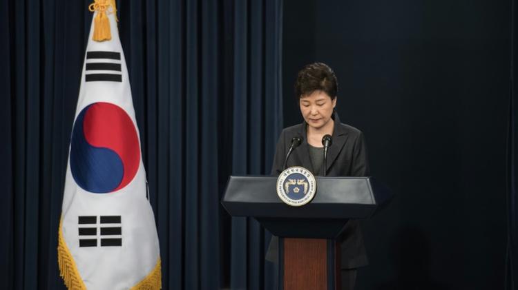 الرئيسة الكورية الجنوبية بارك غيون-هي تلقي خطابا الى الامة في دار الرئاسة في سيول، 4 تشرين الثاني/نوفمبر 2016