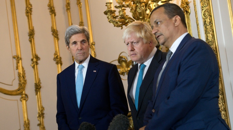 L-R: US Secretary of State John Kerry, British Foreign Secretary Boris Johnson and UN Special Envoy for Yemen Ismail Ould Cheikh Ahmed make a joint statement at Lancaster House in London on October 16, 2016