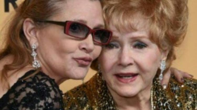 Debbie Reynoldsand her daughter Carrie Fisher January 24, 2015 in Los Angeles