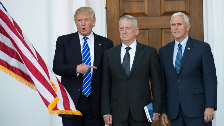 US President-elect Donald Trump (G), General James Mattis (C) and Vice-President-elect Mike Pence (D) in Bedminster, New Jersey, November 19, 2016