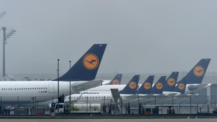 """اعلنت شركة الطيران الالمانية """"لوفتهانزا"""" الاثنين عن الغاء 1700 رحلة الثلاثاء والاربعاء بسبب اضراب الطيارين"""