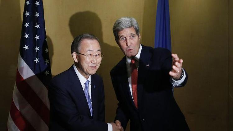 Ban Ki-moon et John Kerry le 21 juillet 2014 au Caire
