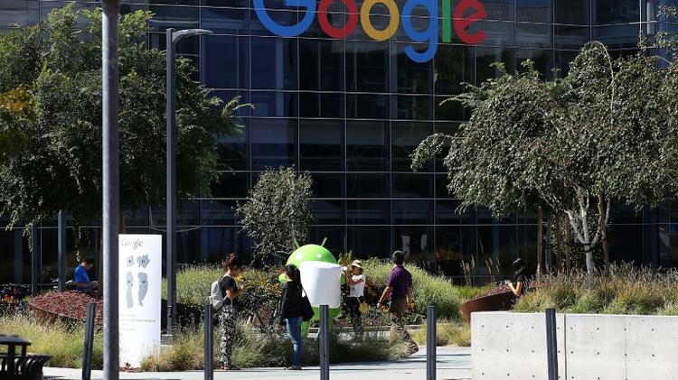 La maison mère de Google, Alphabet, va dévancer Apple à la bourse américaine