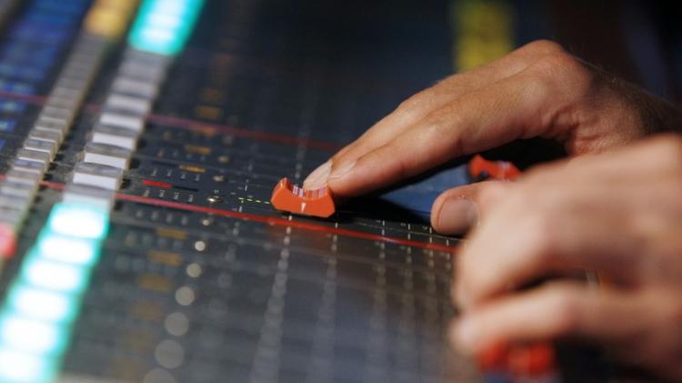 Chanson francophone à la radio: les quotas en questions
