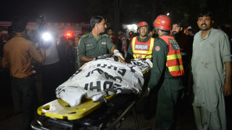 Rescue teams respond to the site of an explosion in Lahore, Pakistan, March 27, 2016