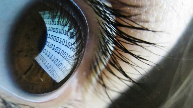 صلاحيات مراقبة واسعة للأجهزة الأمنية البريطانية، وسنودن يحذر