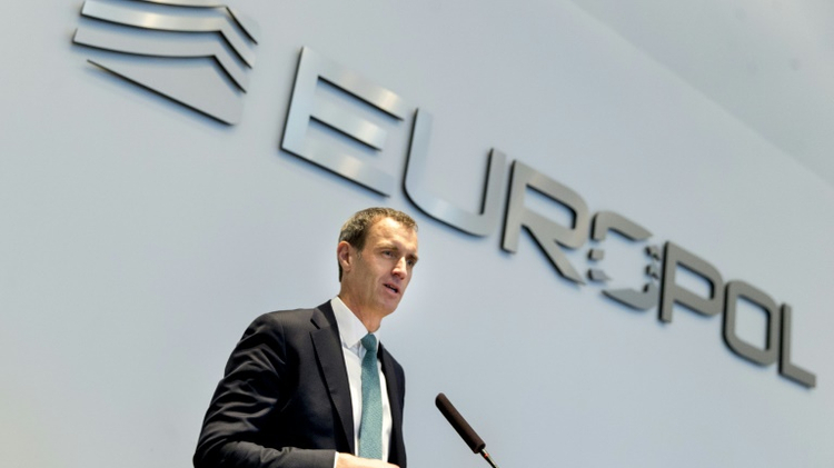 مدير يوروبول روب وينرايت يتحدث في لاهاي 22 شباط 2016