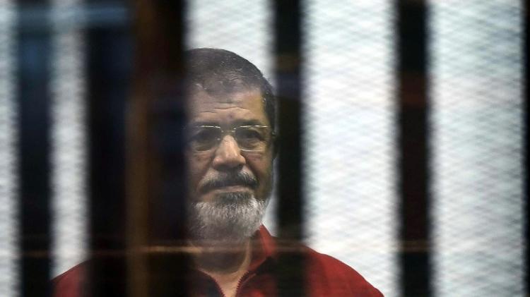 La justice annule une peine de prison à vie pour Morsi — Egypte
