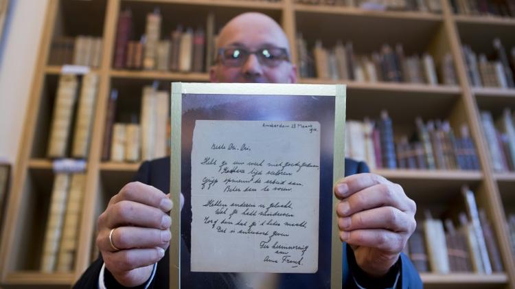 Un poème d'Anne Frank, écrit en mars 1942, présenté par la maison de ventes Bubb Kuyper, le 22 novembre 2016 à Haarlem aux Pays-Bas