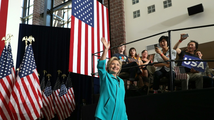 Race intensifies between Trump and Clinton in battleground states